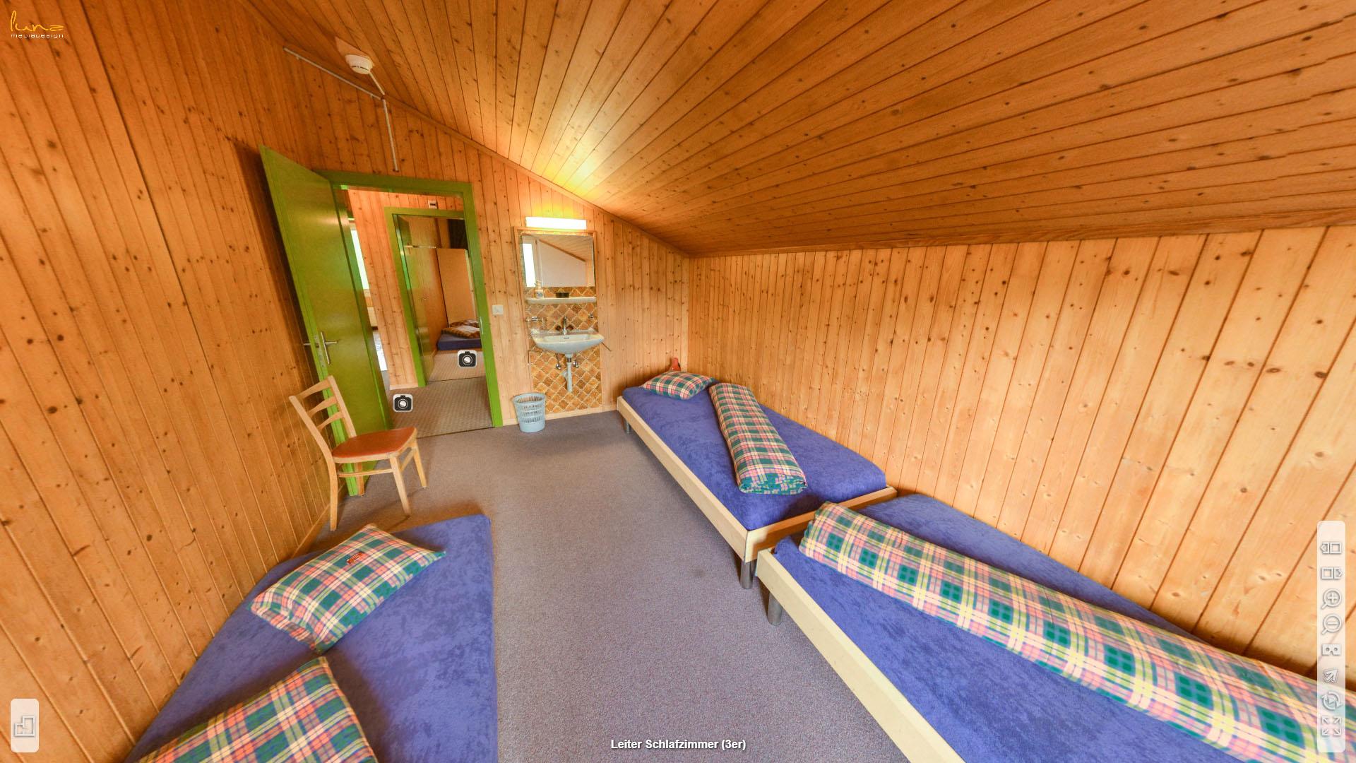 Alpina Gruppenhaus Graubuenden Schlafzimmer